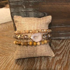 Jewelry - 🌼 Very Pretty 3 Piece Bracelet Set 🌼